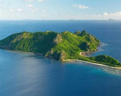 Hòn Bà cũng ẩn chứa nhiều bí ẩn đang đợi chờ khách du lịch Côn Đảo đến khám phá.
